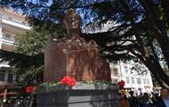 Севастопольский скульптор Константин Кошкин подарил Ялте своего Рузвельта