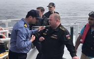 Российские военные моряки с затонувшего судна уже в Севастополе