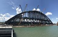 В Керчи собрали первую ЖД-арку Крымского моста