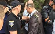 Депутата Барну забросали яйцами