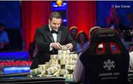 Чемпионом мира по покеру стал американец Скотт Блюменштейн