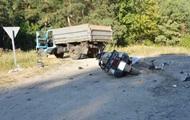 На Волыни мотоцикл влетел в грузовик: две жертвы