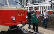 В Киеве возобновили работу два трамвайных маршрута
