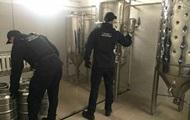 Под Киевом нашли цех по производству поддельного пива известных брендов