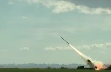 Порошенко принял участие в запуске новой ракеты