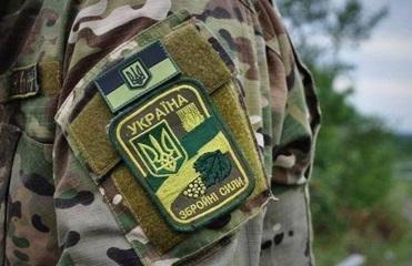 На военном аэродроме под Киевом ранен мужчина