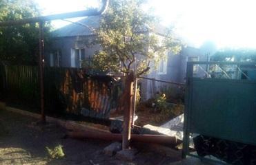 Жилые кварталы Новолуганского попали под обстрел