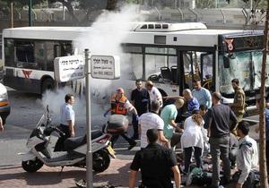 Полиция Тель-Авива разыскивает женщину со взрывчаткой. Количество пострадавших от взрыва автобуса увеличилось до 21
