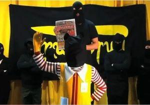 В Финляндии Армия освобождения еды похитила из McDonald s статую Рональда Макдональда
