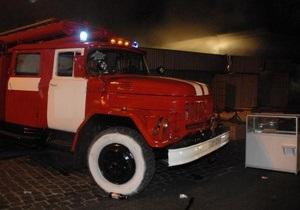В Луганской области  на частной шахте неизвестные подожгли три автомобиля