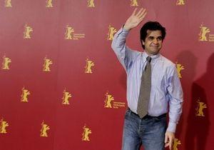 В Иране освободили семью известного режиссера, сам он - под арестом