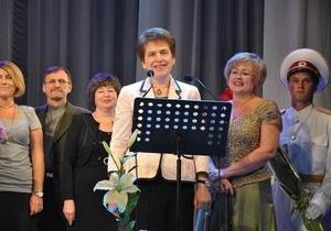 Людмила Янукович: У нас нет в роду учителей, но я - несостоявшийся учитель русского языка
