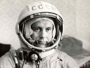 Космонавта Поповича похоронят в Москве