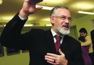 Табачник решил выбросить из учебников истории Украины последние десять лет
