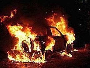 На Волыни нетрезвые мужчины выбрались из авто, которое несколько раз перевернулось и загорелось