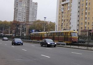 Движение скоростного трамвая в Киеве возобновлено