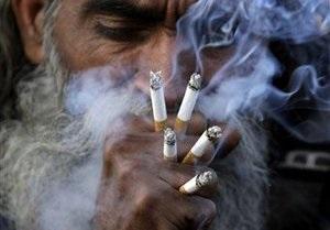 Индонезийская клиника предлагает лечить рак при помощи сигарет