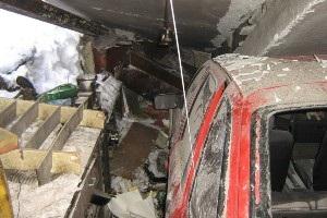 Взрыв Макеевка - Новости Донецкой области - Возле Макеевки произошел взрыв, который разрушил три гаража