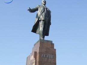 В Харькове началась реконструкция памятника Ленину