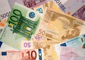 Торги на межбанке открылись резким падением котировок по евро