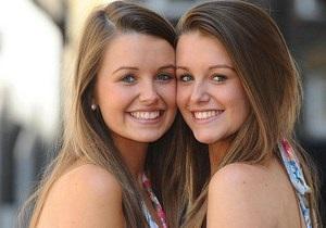 В Британии выбрали самых похожих близнецов
