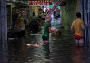 Фотогалерея: Потоп районного масштаба. Аномальный ливень на Позняках