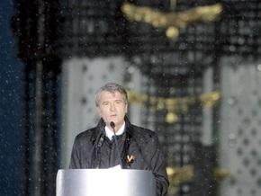 Известия:  Ющенко устроил клоунаду с голодомором