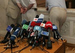 Исследование: За четыре месяца до выборов новости на украинском ТВ остаются аполитичными