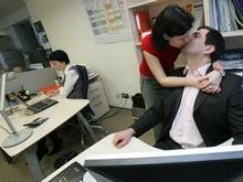Украинцы выбирают себе пару в офисе