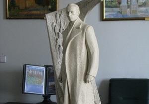 Власти Луцка выделили 150 тыс. гривен на памятник Бандере