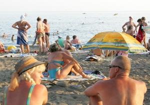 На одесском пляже россиянина унесло в море на матраце