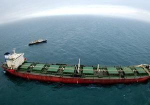 На греческом танкере, проходившем Ла-Манш, скончались трое российских моряков