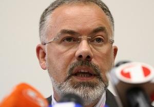 Табачник написал заявление об увольнении. Порошенко медлит