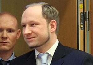 Брейвик намерен доказать в суде, что убийство 77 человек было самообороной