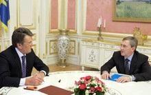 Ющенко дал Черновецкому орден