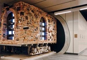 Венское метро превратилось в галерею современного искусства