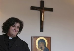 В Италии в сан священника рукоположена замужняя женщина