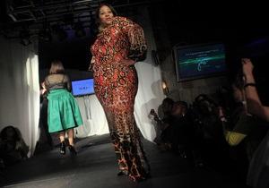 Фотогалерея: Мода в формате XXL. Пышнотелые красавицы вышли на подиум