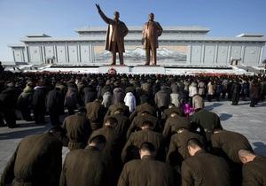 Тело Ким Чен Ира переместили в мавзолей вместе с яхтой и вагоном поезда
