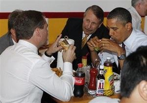 Медведев и Обама сходили поесть гамбургеров