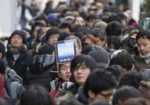 Фотогалерея: Очередь за яблоками. В мире стартовали продажи нового iPad