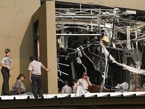 Шесть человек погибли и 36 ранены при взрывах в Джакарте