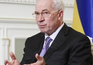 Азаров заверил нового посла ЕС, что выборы повысят доверие украинцев к власти