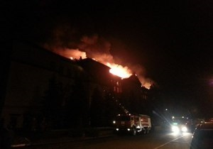Пожарные локализовали огонь в третьем корпусе Аграрного университета