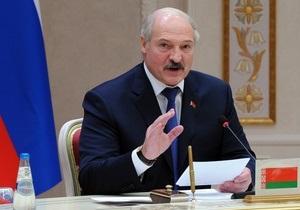 Лукашенко зовет провожающую Саакашвили Грузию назад в СНГ