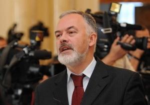 Табачник: Выпускники русской гимназии в Киеве будут получать аттестаты Украины и России