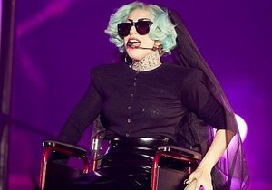 Lady GaGa не может ходить