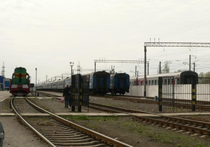 В Ужгороде из-за нетрезвого сотрудника железной дороги локомотив столкнулся с вагонами