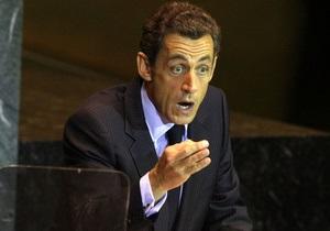 Саркози подаст в суд из-за статьи о контактах с Каддафи