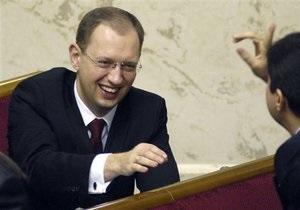 Яценюк предложил провести выборы в Раду в марте 2011 года